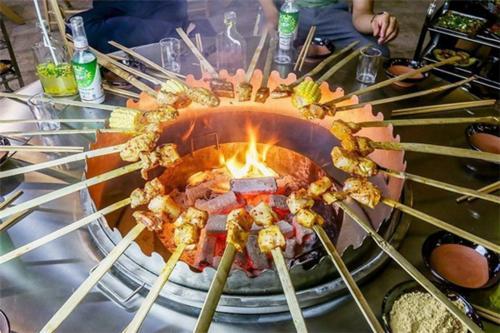彝族火盆烤肉怎么样,彝族火盆烧烤好不好?