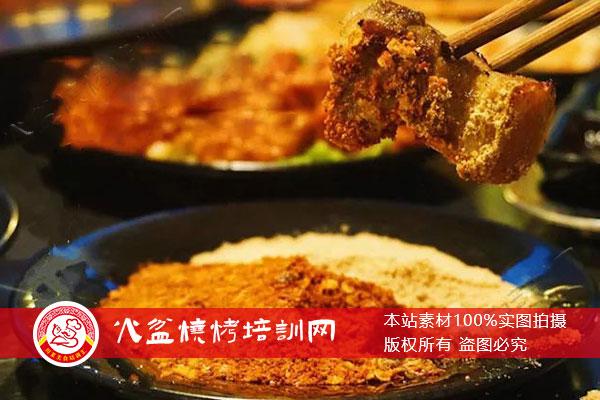 火盆烧烤烤香猪肉