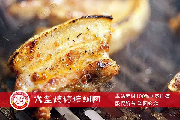 炭烤坨坨肉